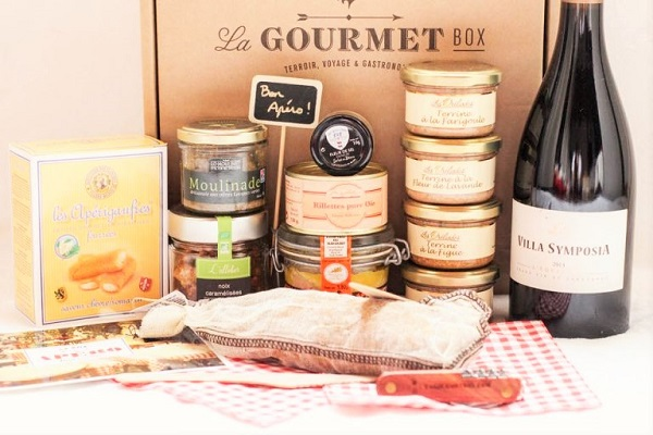 La Gourmet Box Hors d'Oeuvres red