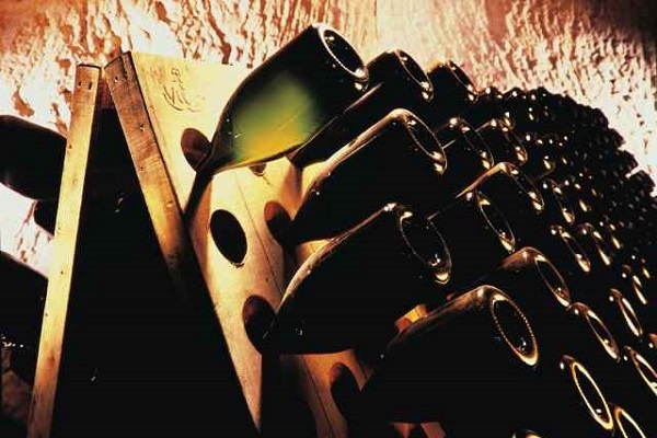 Pupitre Champagne pour faire descendre le dépôt la Gourmet Box coffret cadeau vin