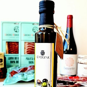 Premium Olive oil gourmet food box La Chinata
