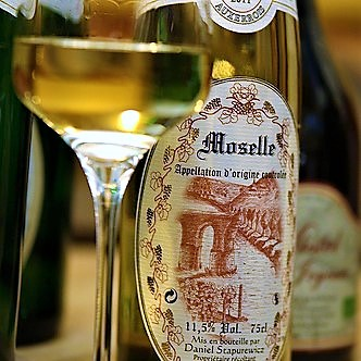 organic-french-wine-moselle-auxerrois